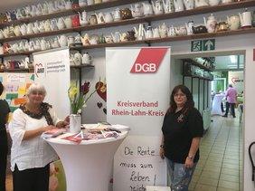 Monique Menzel und Katja Marx vom DGB Kreisverband.